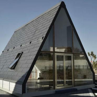 """La casa pieghevole Made in Italy<br><span style=""""font-size:0.7em"""">che si costruisce in 6 ore</span>"""